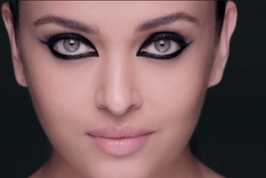 Aishwarya Rai's Winged Eye Makeup (2)