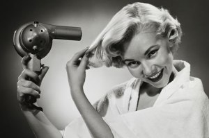 blow-drying-hair-vintage-590